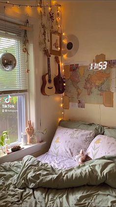 Cute Bedroom Decor, Room Design Bedroom, Indie Room Decor, Room Ideas Bedroom, Home Room Design, Cozy Bedroom, Modern Bedroom, Girls Bedroom, Bedroom Furniture