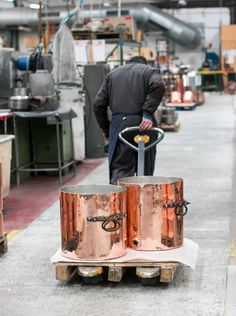 A behind-the-scenes visit to a French copper cookware factory! Check out the fascinating pictures & videos.