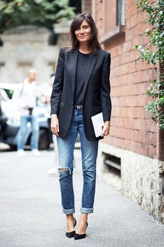 An Editor-Approved Way To Wear A Black Blazer For Spring