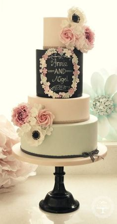 The Hottest 2015 Wedding Trend: 30 Chalkboard Wedding Cakes | Weddingomania