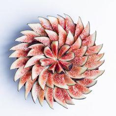 Tartes aux figues... De la légèreté après les fêtes... Souvenir d'été ❄️☀️ Fig pie... Something light after Xmas... Remember last summer ❄️☀️ #cedricgrolet #summer #fig #pastry