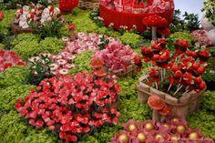 Mesa Chapeuzinho Vermelho