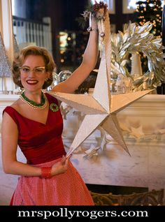 Click here to DIY Giant Book Page Star--works for New Years!  Blog instructions and Video from MrsPollyRogers.com