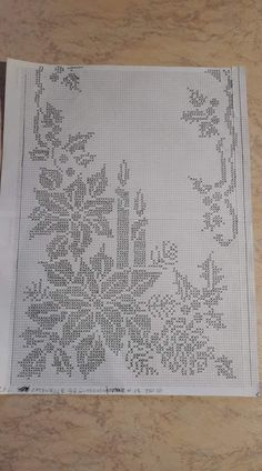 Najpiękniejsze serwety i obrusy - Her Crochet Crochet Table Topper, Crochet Table Runner, Crochet Tablecloth, Crochet Doilies, Crochet Lace, Filet Crochet Charts, Crochet Cross, Crochet Stitches Patterns, Irish Crochet