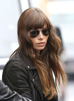 Jessica Biel in Jimmy Choo Sunglasses - All For Hair Color Trending Beliage Hair, Hair Day, Her Hair, Hair Bangs, Jessica Biel, Hairstyles With Bangs, Pretty Hairstyles, Celebrity Beauty, Hair Looks