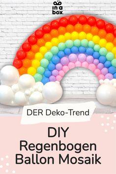Mit unserem einfachen DIY Regenbogen Ballon Mosaik machst Du Dir jede Party garantiert etwas bunter! Ob ein veträumt bunter Kindergeburtstag, eine Einhornfete oder eine tolle Poolparty, der Regenbogen passt einfach in jedes bunte Setting und ist mit wenigen Handgriffen selbst gebastelt. Party Box, Diy Party, Party Decoration, Diy Box, Wild Ones, Balloons, Baby Shower, Blog, Rainbow Balloons