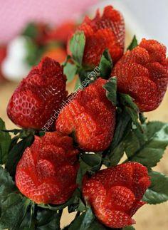 ^^ Tutorial para hacer rosas con fresas, preciosas y deliciosas. #PostresParaFiestas :)