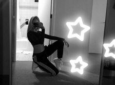 #TX #jordynjones #actress #model #dancer #singer #designer https://www.jordynonline.com