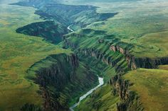 Rafted the Owyhee River in 1980. This is Leslie Gulch, in the lower section. The landforms are just as stunning from the river as they are in this amazing aerial.