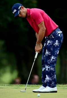 Golf Fashion Stlyle Billy Horschel in RLX octopus golf pants. man, you Golfers have your own unique style. Golf 2, Play Golf, Golf Attire, Golf Outfit, Golf Stance, Golf Simulators, Golf Pants, Man Pants, Golf Fashion