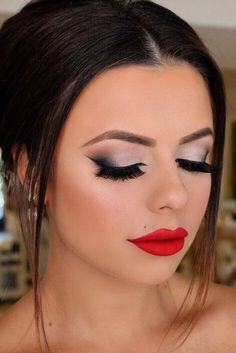Super Sexy Makeup Tips for Valentines Day ★ See more: http://glaminati.com/super-sexy-makeup-tips-valentines-day/