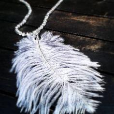 #feather #necklace #crystal #colors #nice #pretty_look #beautiful #christmasEve #oliviapalermo #kendalljenner #caradelevingne #poppydelevinge #gigihadid