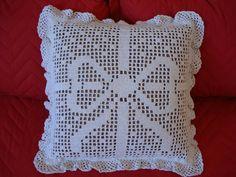 Crochet Cushions, Crochet Pillow, Crochet Art, Crochet Home, Love Crochet, Crochet Crafts, Crochet Projects, Crochet Doily Diagram, Filet Crochet Charts