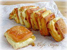 Вкусные сдобные булочки с творогом из дрожжевого теста