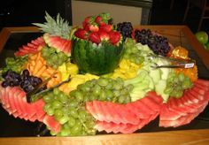 DMY Home Decors & Gift: Wonderful Fruit Buffet Ideas Fruit Tables, Fruit Buffet, Fruit Platters, Fruit And Veg, Fruits And Vegetables, Wedding Reception Appetizers, Wedding Receptions, Veggie Tray, Vegetable Trays