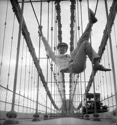 Self-Portrait on the Brooklyn Bridge, New York City, ca. 1929. © Cecil Beaton