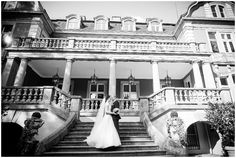 Als Hochzeitsfotografin im wunderschönen Schloss Eldingen bei Celle einer tollen Hochzeitslocation Skin Structure, Worst Day, Goods And Services, Street View, Mansions, House Styles, Laid Back Wedding, Wedding In A Church, Civil Wedding