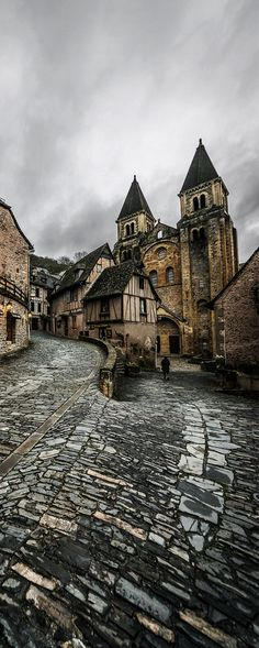 Conques, Midi-Pyrenees, France. travel, travel photos, travel destinations - SO INCREDIBLY BEAUTIFUL!!