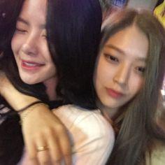 twin asian lesbian