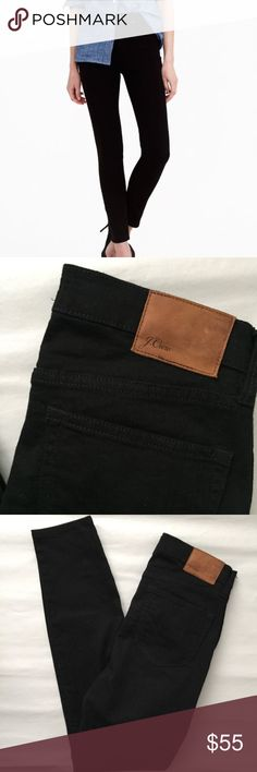 J Crew High Rise Skinny Jeans! J Crew lookout High Rise Skinny Jeans! Black! Like new never worn! Size 29 or size 8. Inseam 29 inseam, rise 10.5 inches. 93% cotton 5% polyester 2% elastane. J. Crew Jeans Skinny
