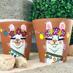 Painted Plant Pots, Painted Flower Pots, Arte Latina, Face Planters, Sugar Skull Design, Vase Crafts, Diy Projects For Kids, Posca, Pottery Painting