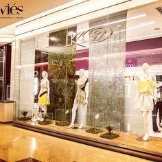Vitrines de verão 2015 da griffe mineira K9! O mais novo projeto da Viés Design! #k9 #lovek9 #botanical #verao2015 #viesdesign #viésdesign #belohorizonte #BH #diamondmall #designdeambientes #design #feminino #fashion #moda #projeto #storewindow #vm #vitrines #vitrina #vitrine