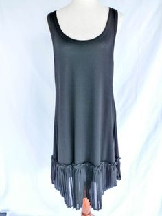 DECA-PARIS-Size-T4-XL-BLACK-PLEATED-HEM-DRESS-PERFECT-CONDITION-MADE-IN-FRANCE