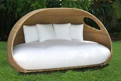 Awesome Contemporary Daybed Furniture Design For Outdoor WIth White Summer Outdoor Daybed DesignDaybed Ideas - Grezu : Home Interior Decoration Outdoor Furniture Design, Types Of Furniture, Furniture Plans, Garden Furniture, Modern Furniture, Furniture Covers, Furniture Online, Outdoor Daybed, Outdoor Decor