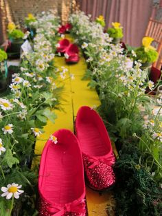 Emerald City, Wizard of Oz Kid's Birthday Party | Ruby Slippers | Yellow Brick Road | Tic Tock Couture Florals - If These Petals Could Talk