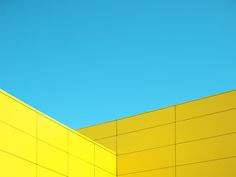 http://theultralinx.com/2014/04/skymetric-beautifully-minimal-photography-project-lino-russo.html