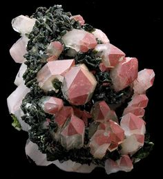Epidote Crystals on Hematinic Quartz Cluster   ©Hummingbird Minerals Hongxi, Meigu County, Sichuan Province, China. / Mineral Friends <3