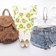 We are diggin' this #ootd featuring our Sunflower crop top Styled by @withloveneeshi ❤️