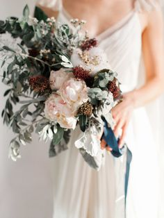 Romance inspired   Photography: Maria Sundin Photography - www.mariasundin.com Read More: http://www.stylemepretty.com/destination-weddings/2015/04/07/romantic-dubai-bridal-inspiration/