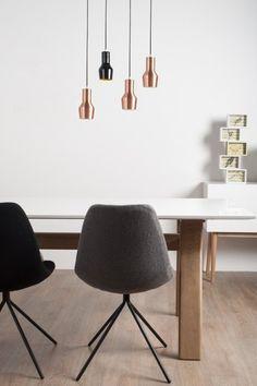 Mooie Hanglamp van Zuiver, mooi effect als er meerder bij elkaar hangen | ELLE Decoration #koper