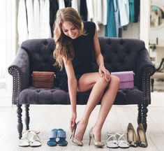 Heels are our favorite kind of shoes. But, wait, do you know about all the different types of heels there are and how to style them? Paris Chic, Types Of High Heels, Walking In High Heels, Dresscode, Types Of Women, Business Outfit, Shoe Dazzle, Luxury Shoes, Buy Shoes