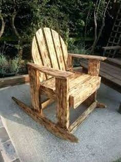 DIY Scorched Pallet Wood Rocking Chair.