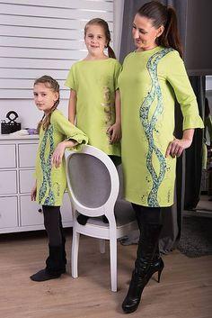 Zelená maľovaná tunika pre malú dámu #detskamoda#jedinecnesaty#handmade#originalne#slovakia#slovenskydizajn#móda#šaty#original#fashion#dress#modre#ornamental#stripe#dresses#vyrobenenaslovensku#children#fashion#rucnemalovane Malu, Dresses With Sleeves, Long Sleeve, Fashion, Tunic, Moda, Sleeve Dresses, Long Dress Patterns, Fashion Styles