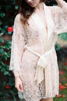 lingerie noite de núpcias noiva. Fleur Le Resort Tulip French Lace & Silk Bridal Kimono Robe in Blush Pink or Ivory