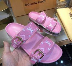 Crocs Fashion, Sneakers Fashion, Jordan Shoes Girls, Girls Shoes, Crazy Shoes, Me Too Shoes, Zapatillas Louis Vuitton, Swag Shoes, Cute Slippers