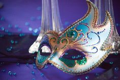 Masquerade, Mardi Gras Theme Wedding - mazelmoments.com