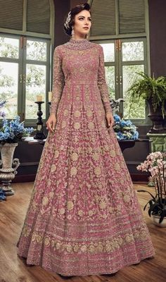 Beautiful green embroidered anarkali suit online which is crafted from net fabric with exclusive stone, sequins and embroidery work. This stunning designer anarkali suit comes with silk bottom, silk inner and net dupatta. Trajes Anarkali, Anarkali Gown, Anarkali Suits, Anarkali Bridal, Indian Anarkali, Sharara Suit, Lehenga, Indian Designer Outfits, Designer Gowns