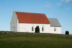 Mygdal kirke: Kirkens vestgavl har været ombygget i 1600-tallet og igen i 1834. Den svungne gavl genfines i flere kirker i det nordlige Vendsyssel: Volstrup, Skt. Catharinæ, Hjørring, Bjergby, Tversted, Ugilt og Åsted. Østgavlen har været ombygget i 1846. Blytaget blev udskiftet med tegltag i 1822 med undtagelse af korets sydside, der som det eneste stadig har blytag, som senest blev lagt om i 1996.