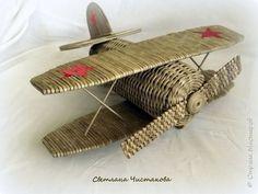 Макет модель Поделка изделие День Победы Плетение Самолет Бумага газетная фото 5