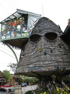The Mushroom Tree House – Cincinnati, Ohio-Top 10 Eccentric Buildings