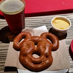 Epcot Drink Around the World - Best Alcoholic Drinks at Disney World