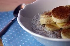 Chiasamen-Pudding mit Kokosmilch / Chia Seed Pudding with Coconut Milk