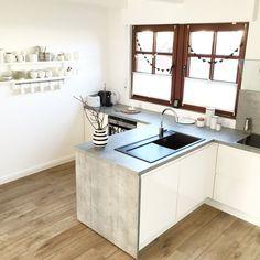 graue arbeitsplatten und wei e hochglanz fronten k chen pinterest arbeitsplatte kuchen. Black Bedroom Furniture Sets. Home Design Ideas