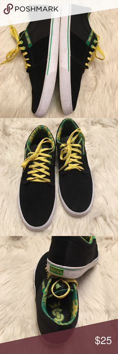 Supra Shake Junt Stacks Vulc ll Skate Sneakers Supra X Shake Junt Stacks Vulc ll Black/Green Skate sneakers from Supra Footwear. Ultra lightweight breathable and flexible, size 12, in good condition, the white rubber soles need some cleaning only worn twice, no box Supra Shoes Sneakers