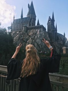 Tumblr, Harry Potter, hogwarts, gryffindor, Girl, half-up half-down, universal studios Orlando, girl, goals, blonde Instagram: @josephinenedergaard