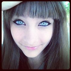 Paris Jackson again apparently although I'm not sure. The pic came from Google images. Lovely eyes all the same and love the emphasis with the black liner against such pale eyes and the fringe helps with the framing of the whole picture (I love a fringe me)